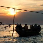 рыбаки в проливе2_Керчь_Александр Демидов